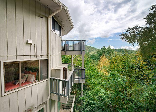 Hanging Round | Mountain-top Views | Montreat Vacation Rental, holiday rental in Montreat