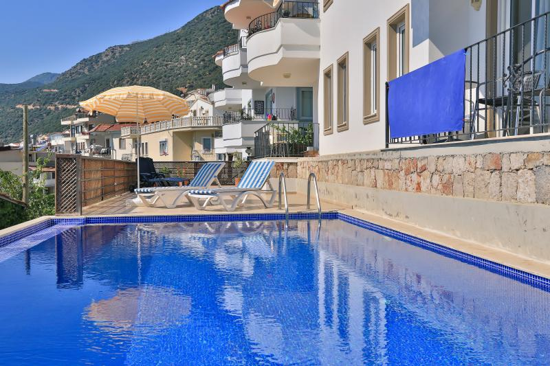 Braeside Apartment, Kas town centre, location de vacances à KAS