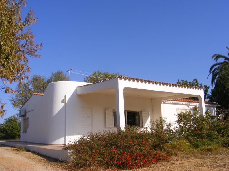 Front view, Algarve's nice blue sky ( October 2015 ) Temp. 26ºC  -   20ºC.