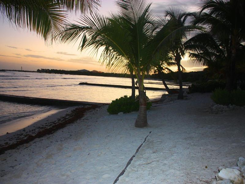 Riviera Maya Haciendas, Quinta Maya - The White Sandy Beach At Night