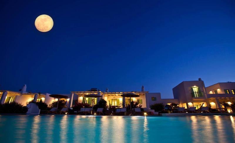 'Naoussa Bay Villas' complex- Villa Chryssi Akti, aluguéis de temporada em Naoussa