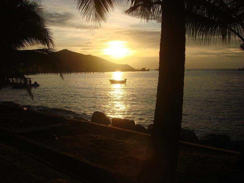 sunset bang saray beach