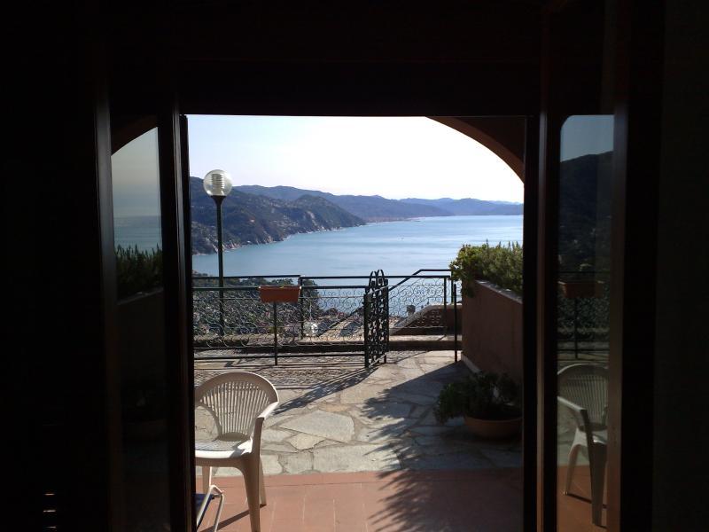 Beatiful Panorama Golfo Rapallo Portofino, holiday rental in Rapallo