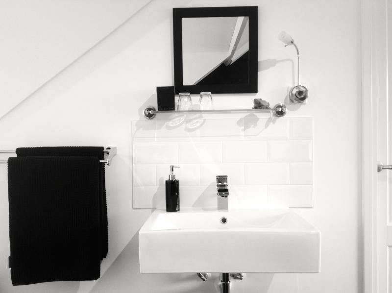 Modern sink with hot and cold 'ledlight' water in your room