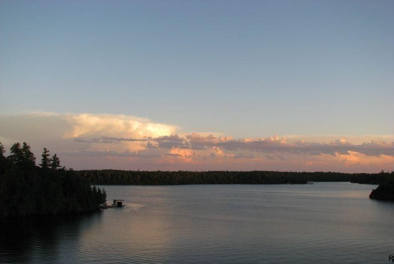 Island Cottage for weekly rentals, casa vacanza a Kenora District