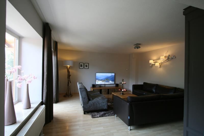 Lovely large living room, appartement Alpenwiese