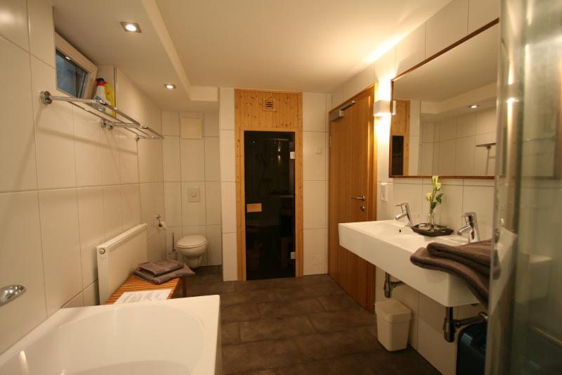 Bath room with whirlpool, sauna, shower etc