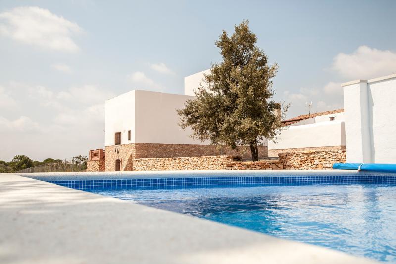 Mas del Porta: casa de campo de 2 habitaciones con piscina privada., vakantiewoning in Montblanc