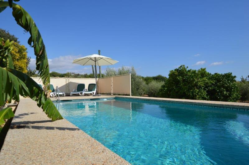 Finca con piscina en Selva, location de vacances à Selva