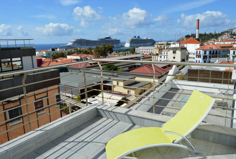 Funchal Apartment T2 Mercado dos Lavradores, vacation rental in Funchal