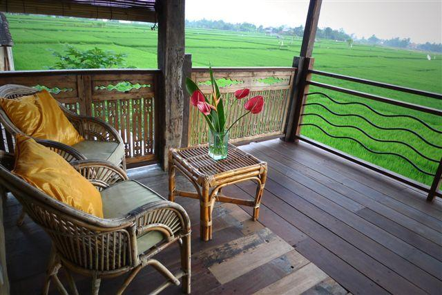 Gorgeous Wooden Bungalow Overlooking Ricefields, holiday rental in Lodtunduh