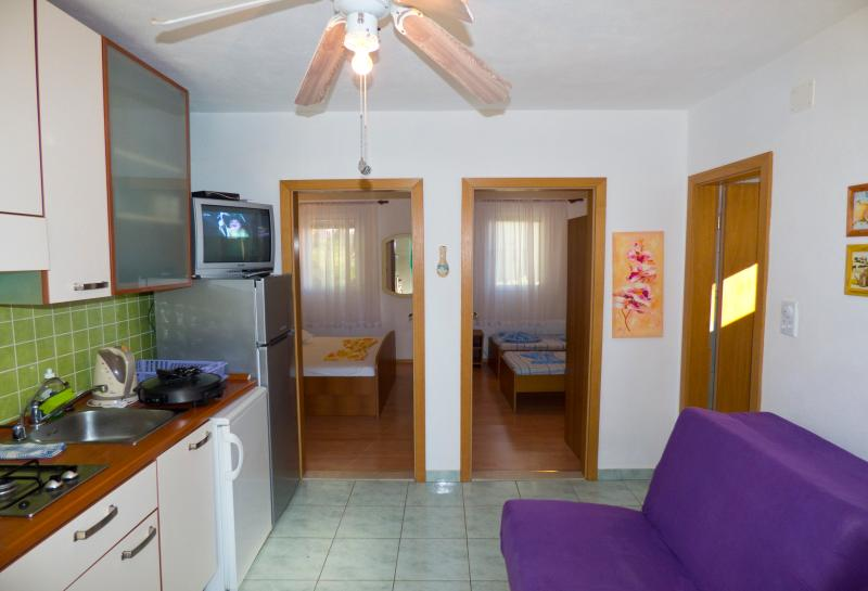 Apartments Plaza A4, holiday rental in Ivan Dolac