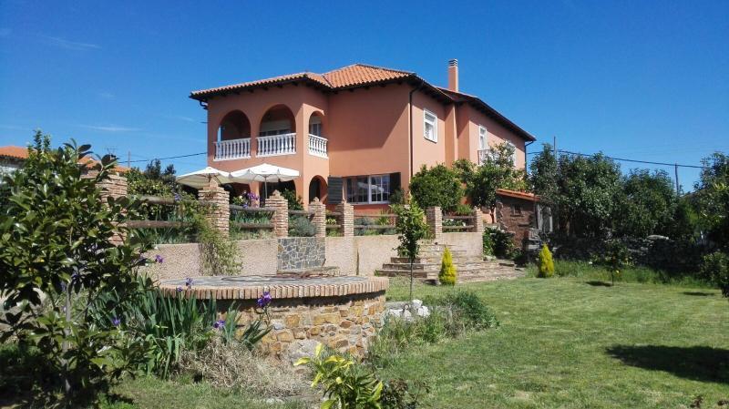 Alquiler de casa en Sierra de Gata. Cáceres., vacation rental in Extremadura