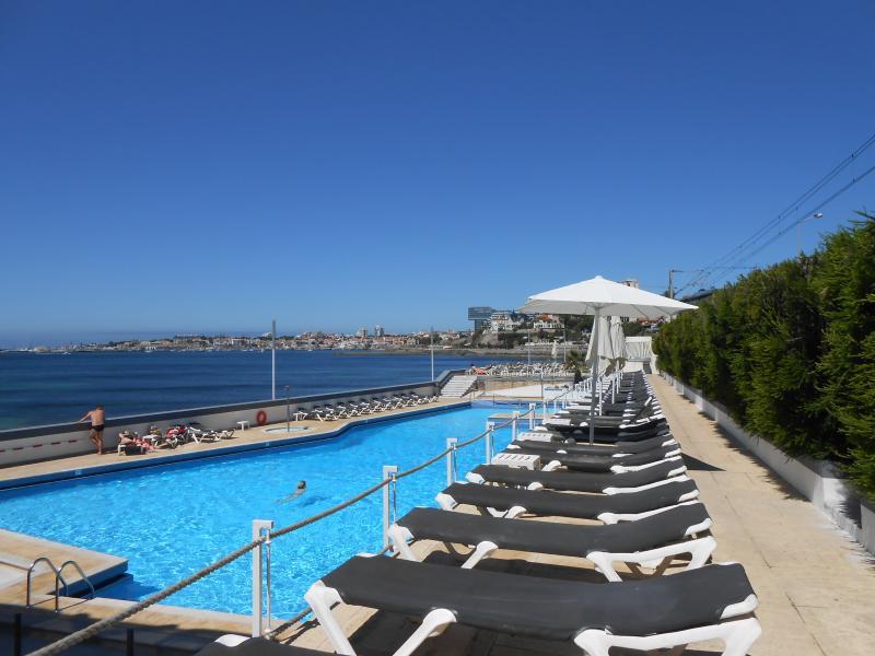 Estoril piscine près de la plage
