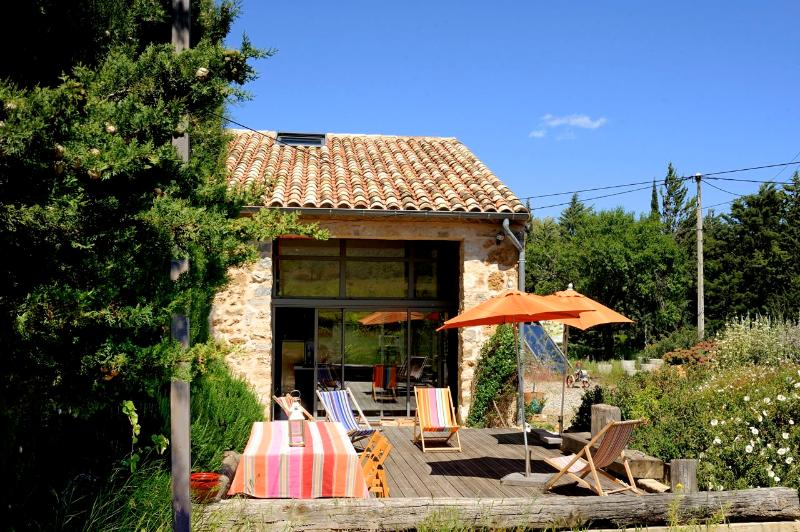Eco B&B walking, hiking, birding, or just chill, nr beaches, south of France, holiday rental in Opoul-Perillos