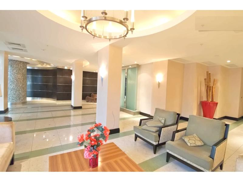 Resort Lobby / Lobby del resort - ComprandoViajes