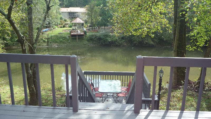 Vista del río desde porche trasero