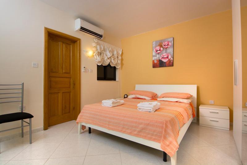 Main Bedroom with en Suite shower and toilet