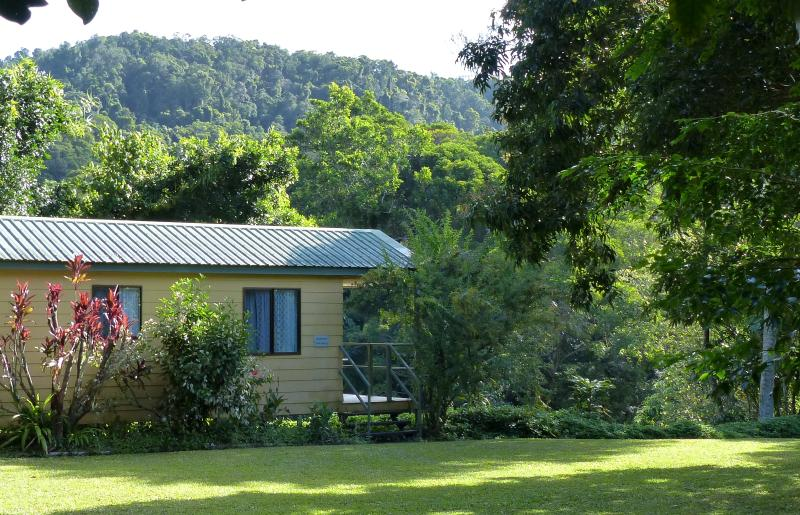 Sunbird Sanctuary - king/twin-bed self-contained bungalow at Daintree Valley Haven