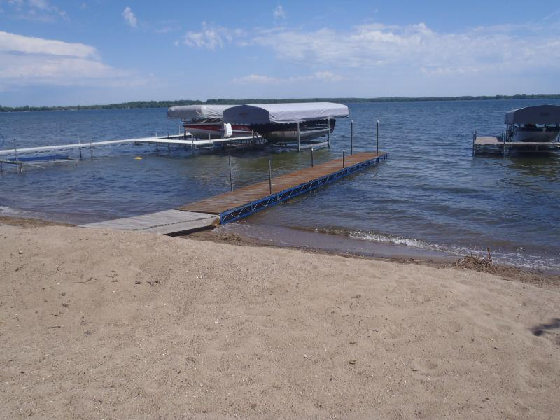Lake Melissa East frente a playa soleada