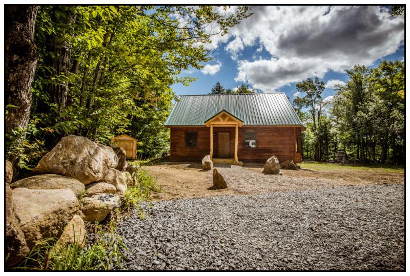 Adirondack Cabin Mountain Retreat, alquiler de vacaciones en Eagle Bay