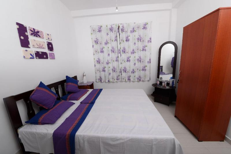 Dwara Tourism AC room + en-suite private bathroom, Ferienwohnung in Gampaha