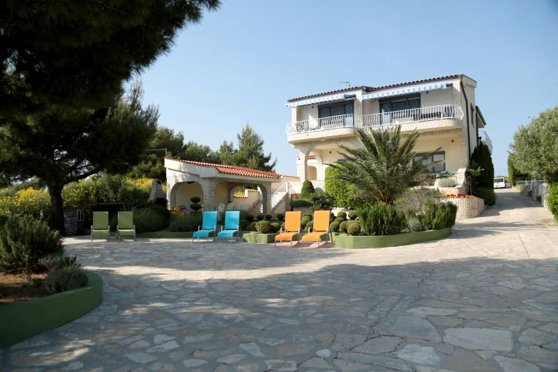 Apartments Villa Punta Royal • Royal Queen apartment, holiday rental in Stankovci