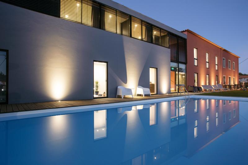 A Casa del Cura, luxuosamente recuperada, com  design único,acolhe com todo o conforto e qualidade.