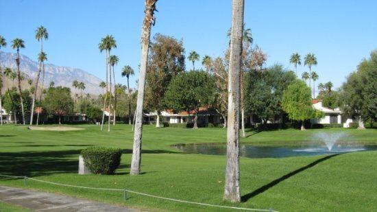 MAR65 - Rancho Las Palmas Country Club - 2 BDRM + DEN, 2 BA, location de vacances à Désert californien