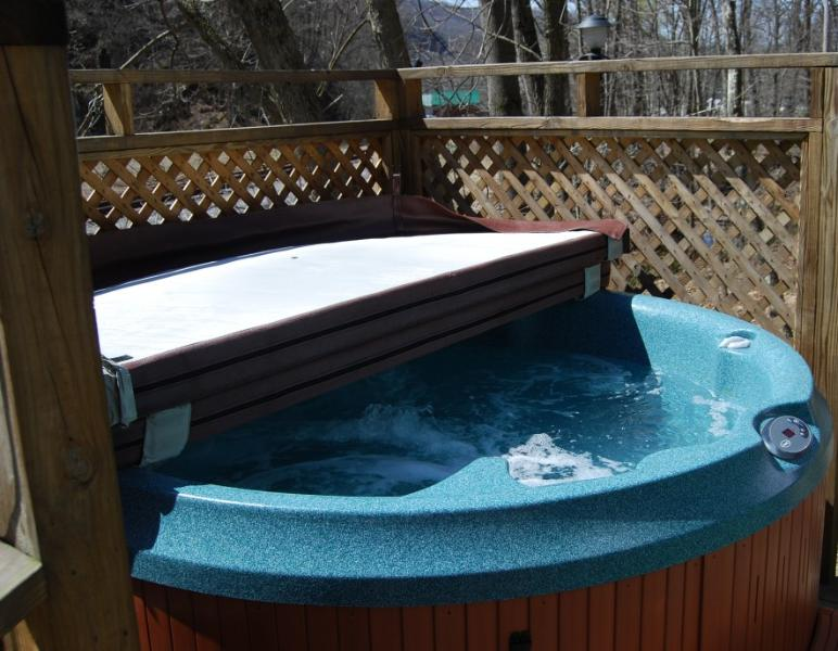 Hot Tub available at the Pacific Yurt.