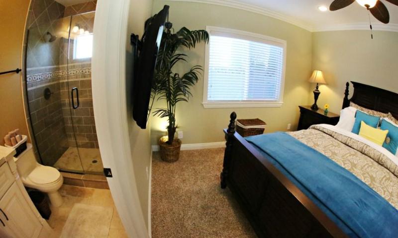 Cal-King Master Bedroom and Bathroom #3