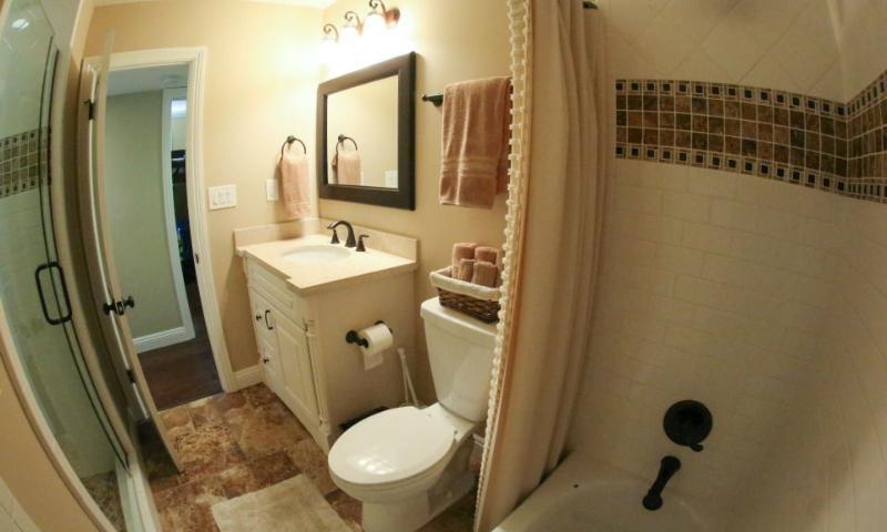 Hall Bathroom #4 View 2