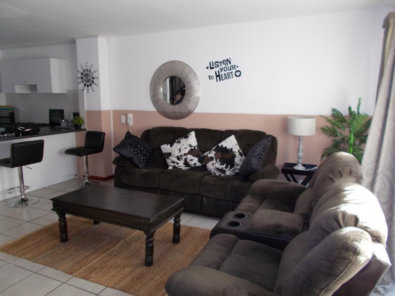 Fountainebleau 32 Self Catering Apartment, alquiler vacacional en Parklands
