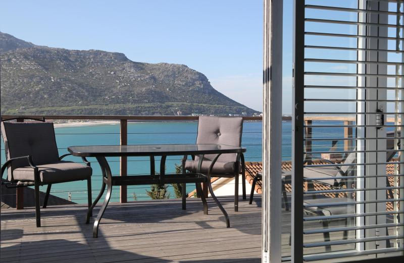 Wake up to these glorious sea and mountain views
