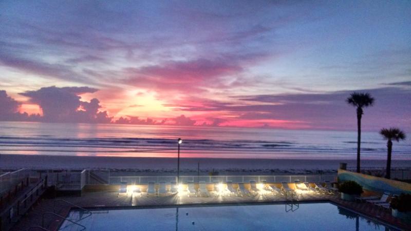 A1A - Fountain Beach Resort Daytona Beach, holiday rental in Daytona Beach