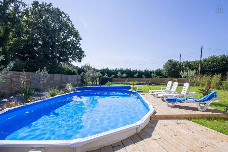 Swimming pool heated from June to September