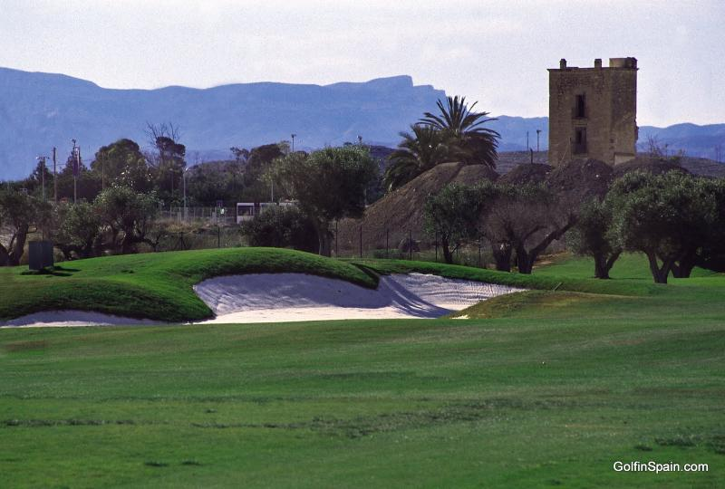 Alicante Golf. a unos metros de casa.