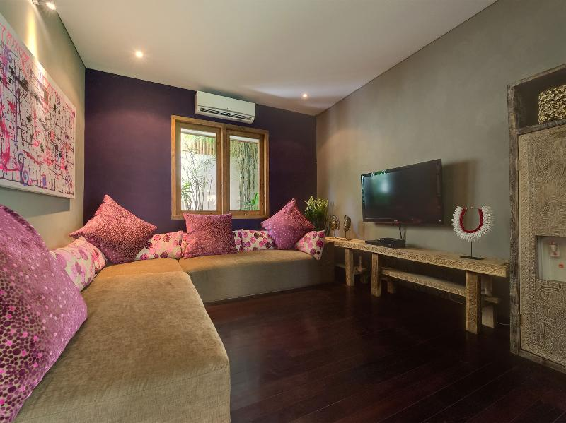Villa Shambala - aile clients salon