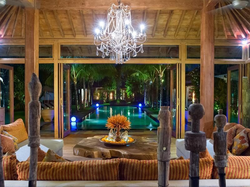 Villa Shambala - scène de nuit