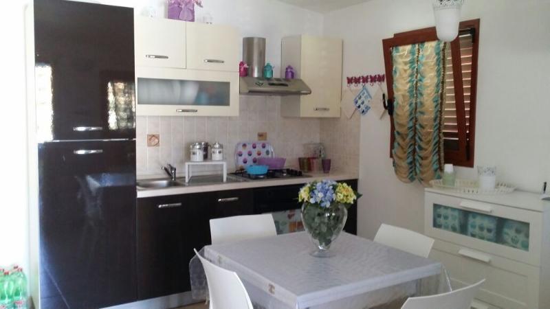 Küche, Wohnzimmer mit Sofa-Bett