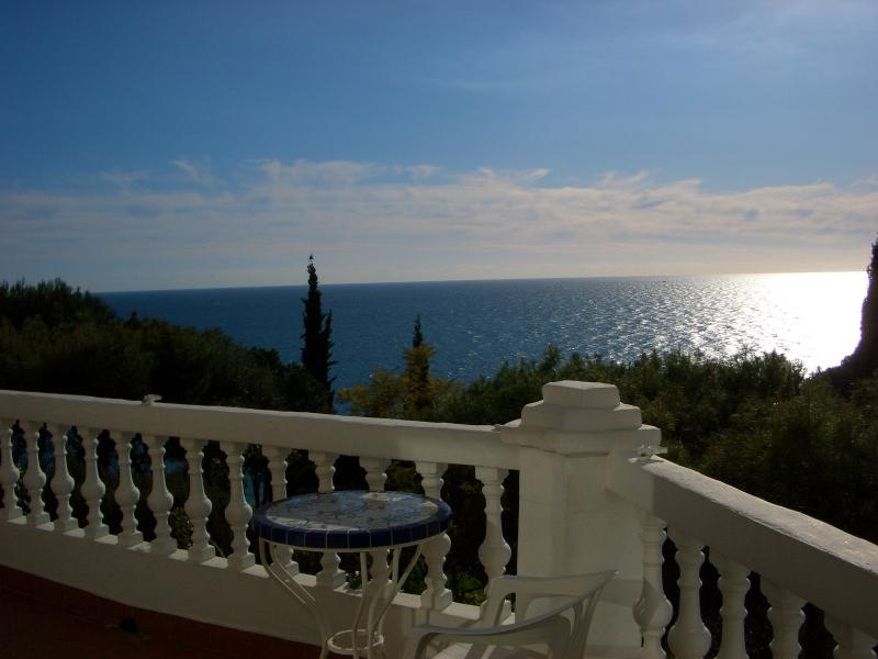 Ladera del Mar - Casa Patricia with large terrace and sun all day long, holiday rental in Nerja