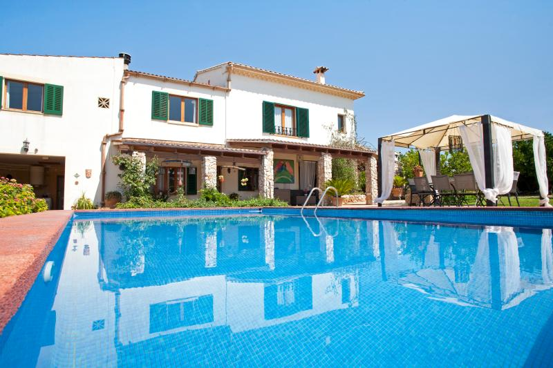 Villa entre naranjos, holiday rental in Muro