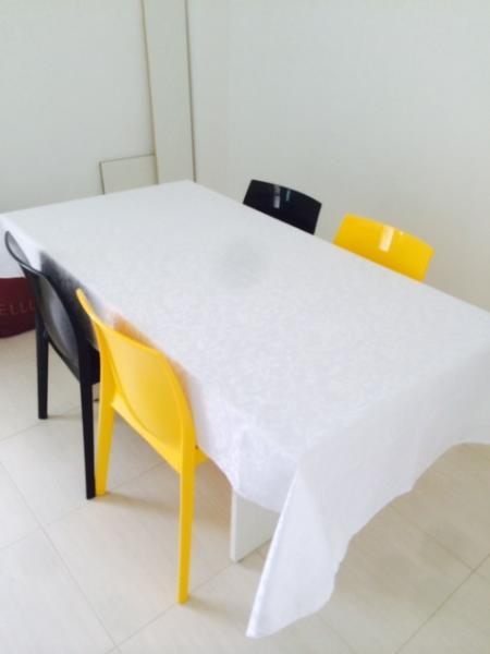 Cup with Table 5 Places Apartment Imbassai P/Sea Season N17