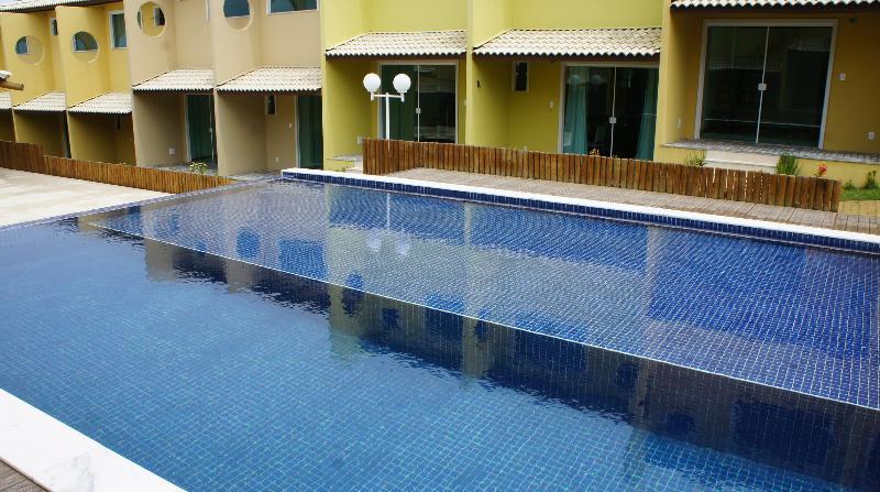 Piscina com raia para  natação Apartamento Imbassai P/ Temporada Vista Mar N17