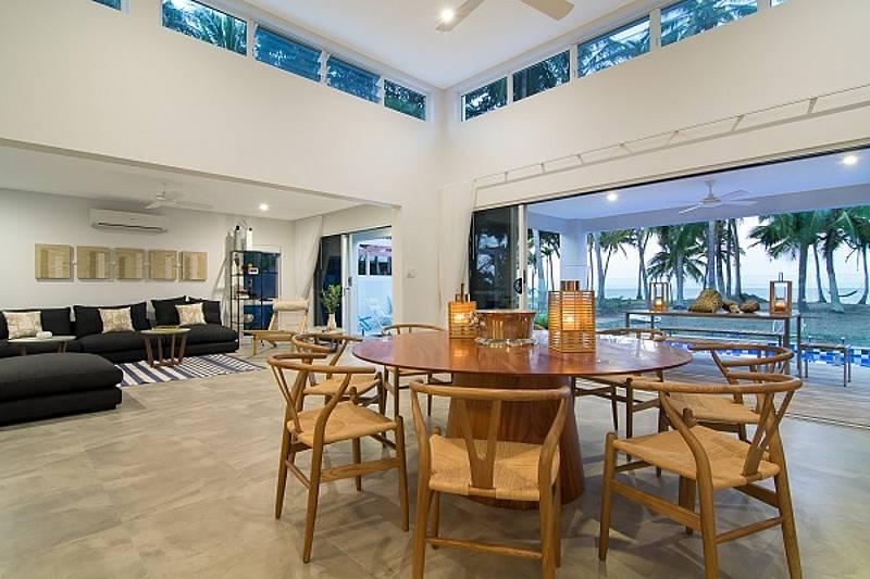 Tenterfield on Oak Beach - Beachfront, vacation rental in Port Douglas