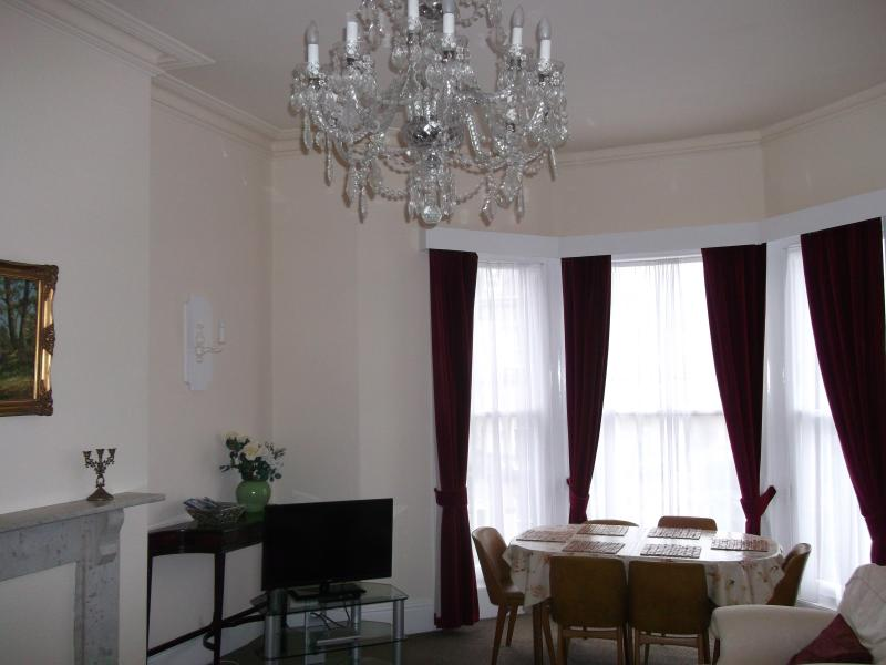 Gardens Apartments - Apartment 4 (Above Spa Theatre), holiday rental in Scarborough