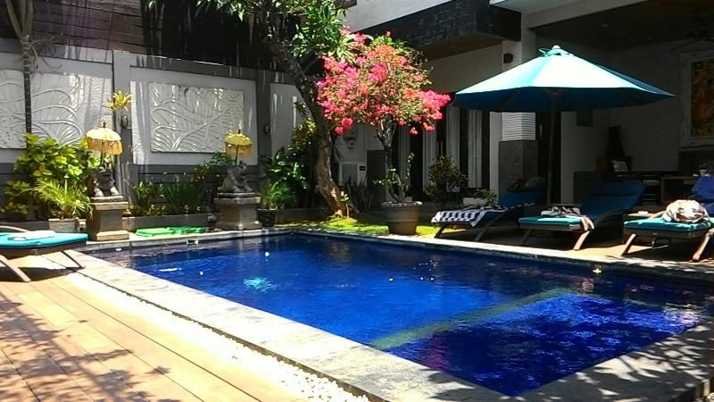 A beautiful large swimming pool for you to enjoy with family and friends!