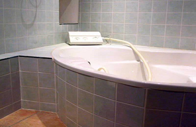 1. Bath with spa