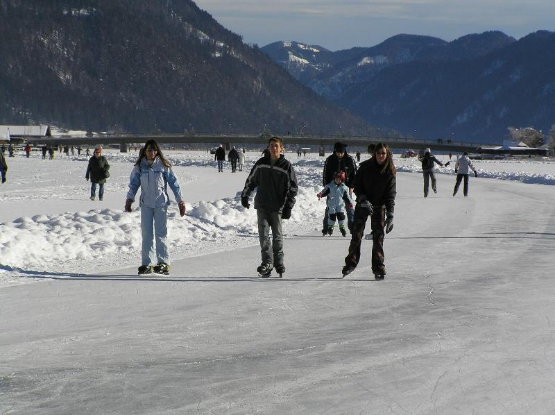 Not far from the apartment is the biggest ice surface in Europe: Weissensee