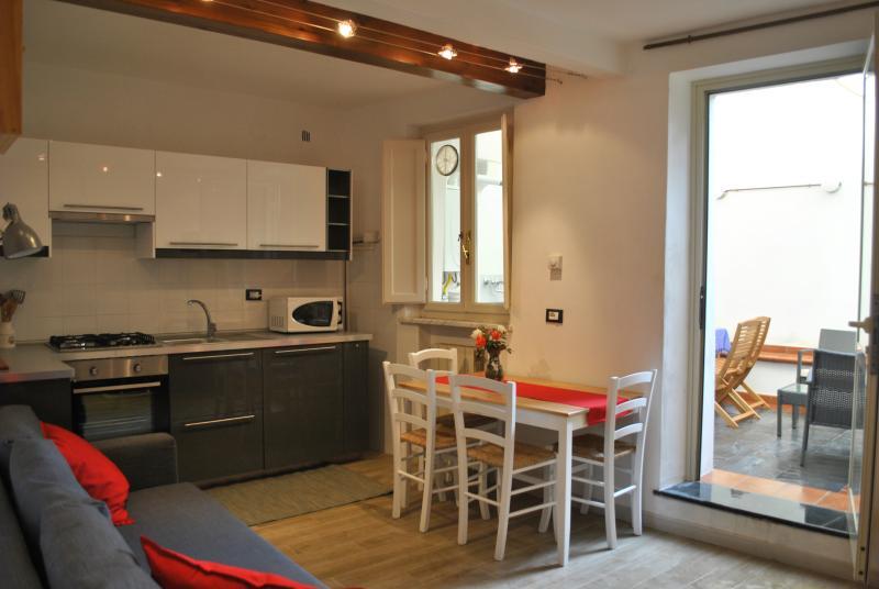 SeaNCity Relax in citta' - Casa tranquilla con cortile nel centro storico, casa vacanza a San Pietro in Campo